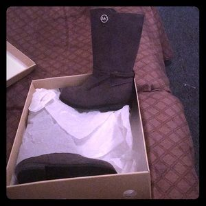 Used MK little girls boots only worn twice